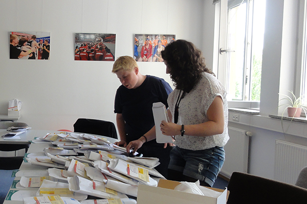 Daniela Huhn hilft bei vielen Aufgaben. (Foto: SOD)