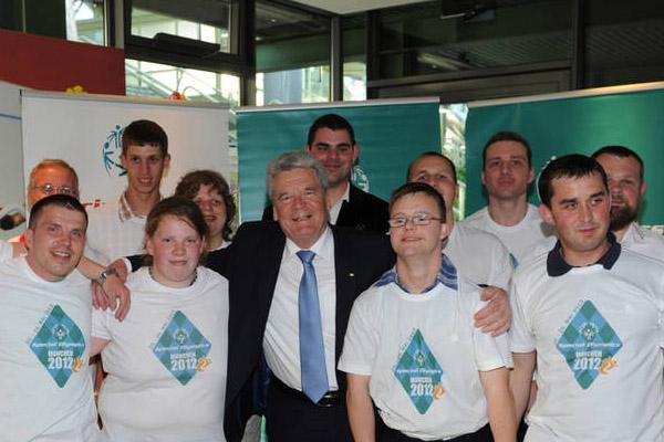 Die Athleten-Sprecher mit Bundespräsidenten Joachim Gauck. (Foto: SOD/Juri Reetz)