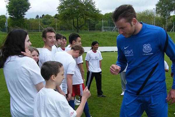 Athleten treffen die Profis vom 1, FC Saarbrücken. (Foto: SO Saarland)
