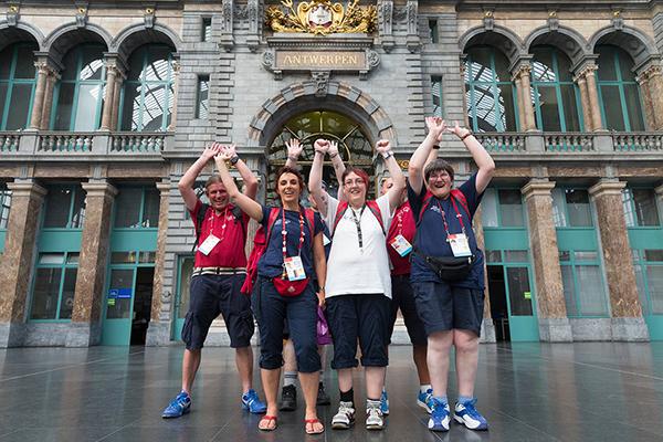 Die Badminton-Mannschaft beim Stadtbummel in Antwerpen. (Foto: SOD/Luca Siermann)