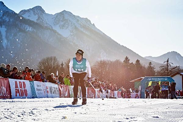 Athletin Erika Kälin wird von den Zuschauern angefeuert. (Foto: SOD/ Tom Gonsior)