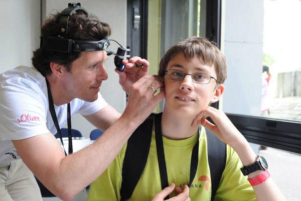 Das Hören wird im Besser-Hören-Programm getestet. (Foto: SOD/Juri Reetz)